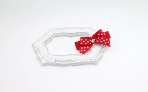 Large single bow with pearl