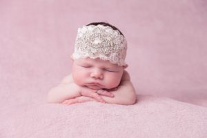 How to safely choose baby hair accessories for your daughter